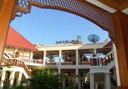 Hotel Max Chaung Tha Beach