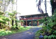 Aloha Crater Lodge & Lava Tube
