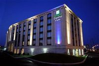 Holiday Inn Express Montreal Airport
