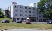 Hotel Seasons Motor Inn