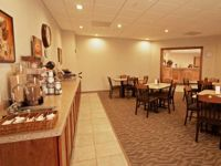 Paola Inn & Suites