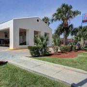Motel 6 Laredo North