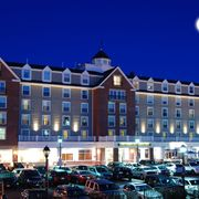 Salem Waterfront Hotel