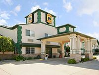 Super 8 Motel - Des Moines - Airport