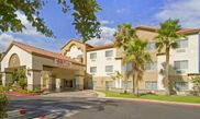 Baymont Inn & Suites Bakersfield