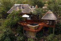 Kingfisher Clifftop Exclusive Safari Hideaway