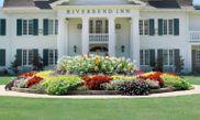 Riverbend Inn & Vineyard