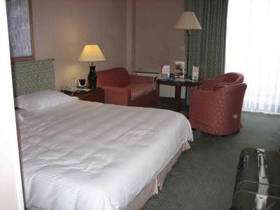 Crowne Plaza St Peter's (Room and features)