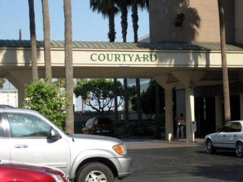 Courtyard by Marriott Los Angeles LAX Century Boulevard (Gebäude)