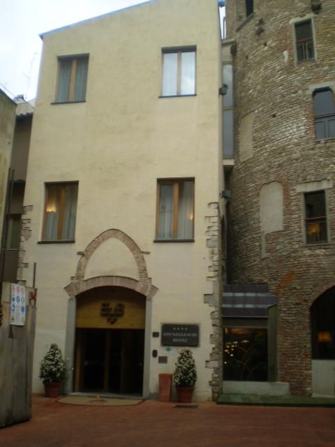 Brunelleschi (Building)