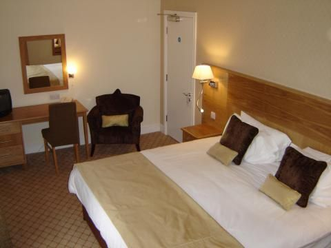Wortley Hall (Room and features)
