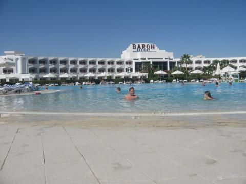 Baron Resort (Communal areas (e.g. garden))