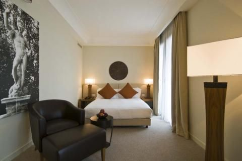 Radisson Blu Hotel Milan (Room and features)