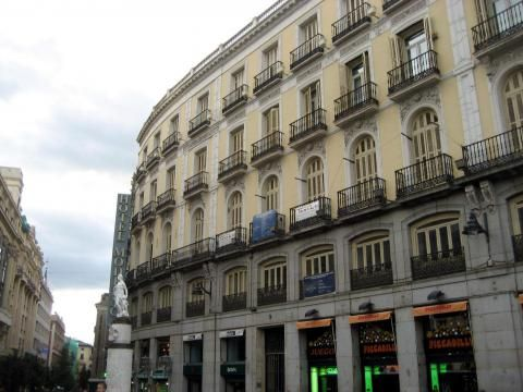Moderno (Edificio)