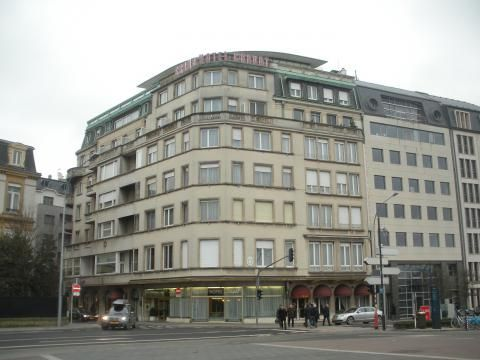 Grand Cravat (Building)