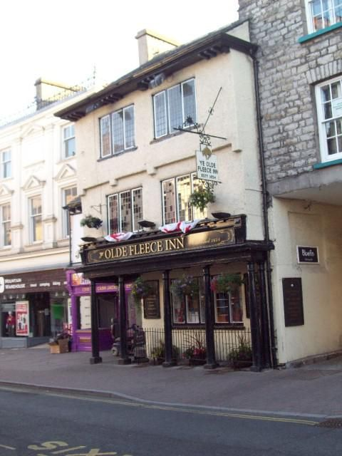 Olde Fleece Inn (Exterior view)