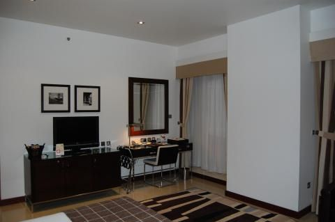 Four Points by Sheraton Sheikh Zayed Road (Room and features)