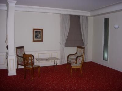 Le Grand Hôtel (Communal areas (e.g. garden))
