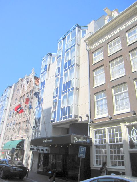 Radisson Blu Hotel (Building)
