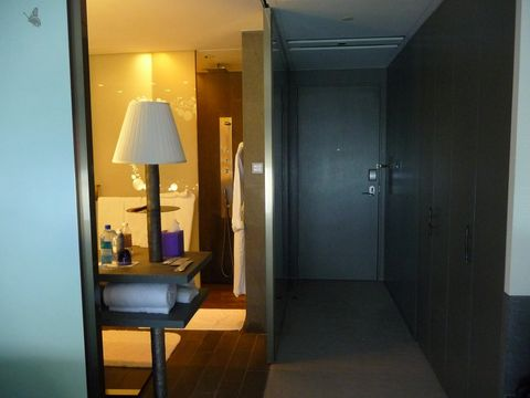 W Hong Kong (Room and features)