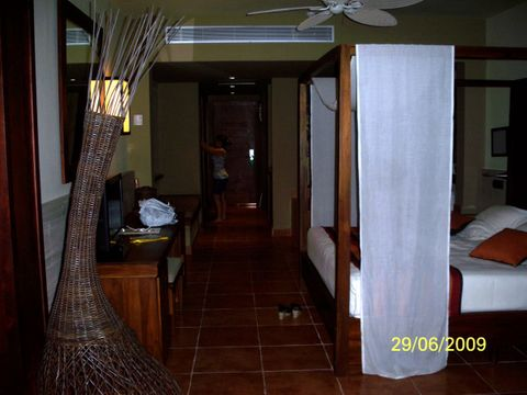 Catalonia Royal Bavaro Resort (Room and features)