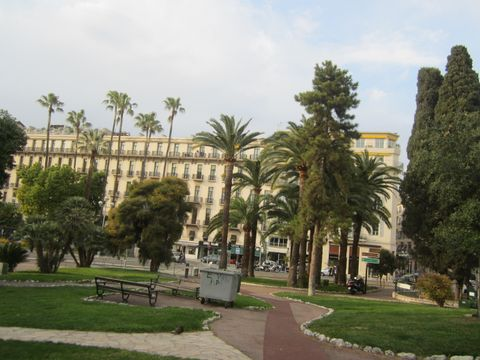B4 Nice Plaza (Building)