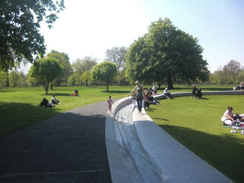 Diana Princess of Wales Memorial Fountain (Exterior view)
